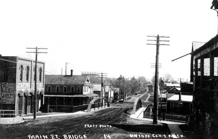 Broadway Bridge - 1a