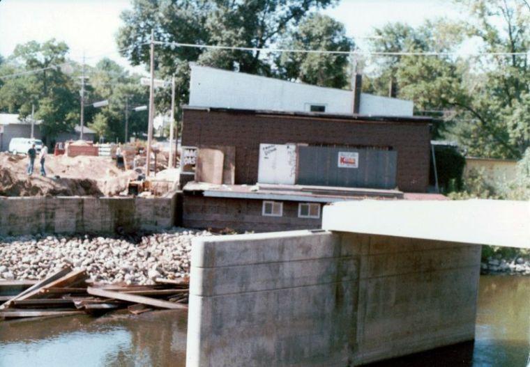 Broadway bridge construction 1977