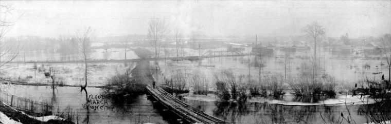Flood of 1908 viewed from narrow gage bridge